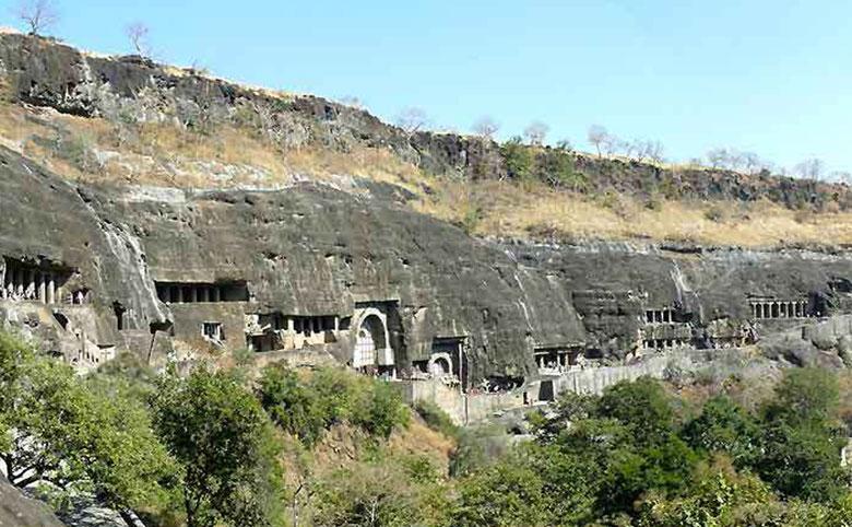 インドのアジャンタ石窟群